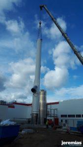 pionowanie komina przemysłowego